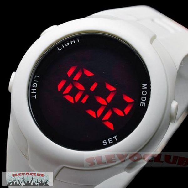 149,- bílé nebo černé LED hodinky Unisex! Sleva 82%!