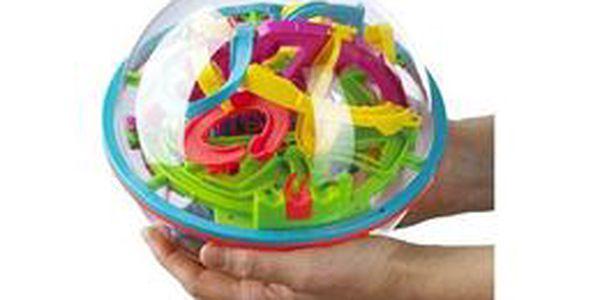 Prověřte zručnost a prostorové myšlení Vašich dětí! Skvělá 3D inteligentní koule (20 cm) obsahující propracované bludiště se 100 překážkami se slevou 50 %