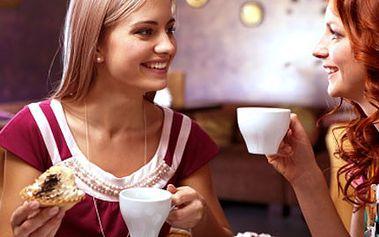 Zajděte si ve DVOU do kavárny Café PePe. KÁVOU a ZÁKUSKEM se rozmazlete! 52% sleva na kávu, zákusek a vodu Bonaqua pro 2 osoby. Dejte si medovník nebo šlehačkový dort.