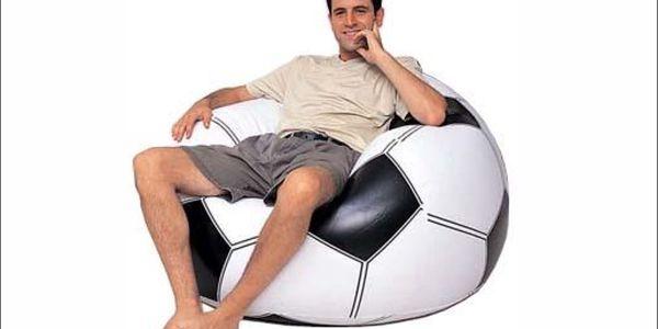 Nebudete si chtít sednout jinam!!! Skvělé a praktické nafukovací křeslo s designem fotbalového míče se slevou 50%!!
