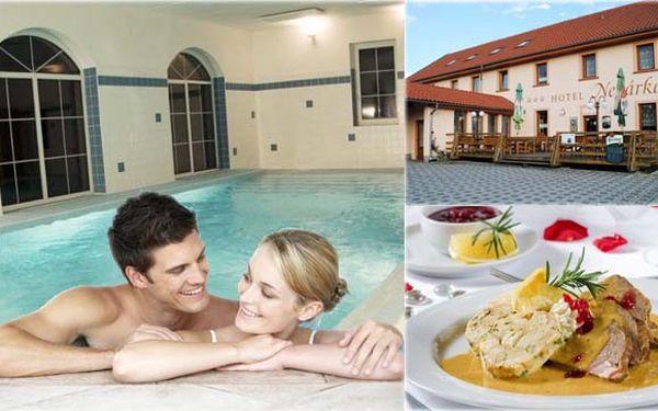 1 900 kč za víkendový pobyt pro 2 osoby včetně polopenze, láhve vína. Po celou dobu pobytu neomezené využití bazénu a posilovny! Užijte si fantastický víkend v hotelu nežárka!