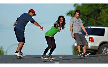 Snowboarding+ skateboarding+ surfing = Freeline skate