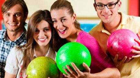 Hrajte a ukažte co ve Vás je! Kdo z vás v BOWLINGU vyhraje? 50% sleva na 2 hodiny bowlingu. Vyrazte s přáteli za zábavou.