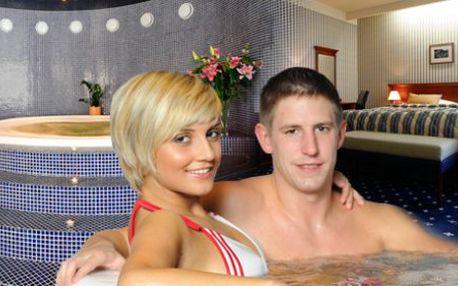 LAST MINUTE 5 denní relaxační pobyt s nádechem romantiky v Mariánských Lázních pro 2 osoby. Pozor, pouze do konce února! Pobyt pro zamilované v nádherném hotelu, který je plný wellness a relax služeb a nachází se blízko sjezdovky.