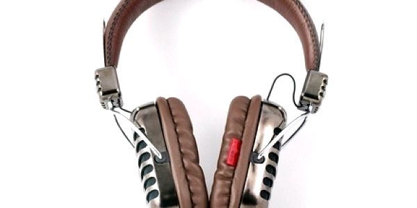 Skvost mezi sluchátky! Unikátní retro design z americké dílny I-MEGO Heavy Beats s 50% slevou! Jen u nás!
