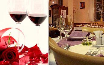Valentýnská romantická večeře při svíčkách