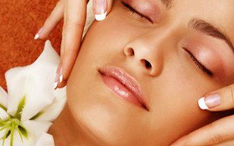 Luxusní balíček masáží! Čokoládová masáž, zábal, klasická masáž plosky nohou, masáž šíje nebo jemná REIKI masáž obličeje