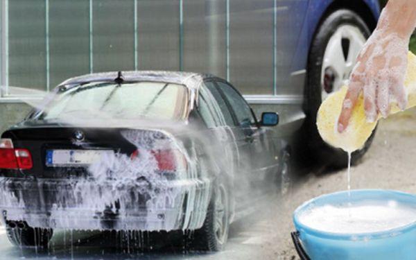 Centrum ručního mytí vozidel nabízí kompletní ruční mytí Vašho vozu za šokujících 469 Kč! Dlouhodobá ochrana laku a lesku se slevou 50%! Pečujte o svého plechového miláčka!