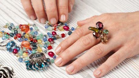 Zkuste kurz plný tvoření, pro kreativce jako stvořený! 50% sleva na kurzy tvoření v 10 blocích po 3 hodinách. Naučíte se vytvořit originální šperky a módní doplňky, zdobit textilie nebo tvořit z fimo hmoty.