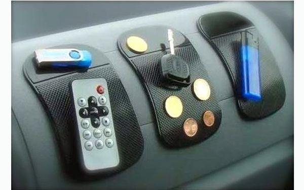 Jen 139 Kč za 3 nanopodložky včetně poštovného!!! Nanopodložka udrží na místě jakékoliv předměty od mincí po mobil!