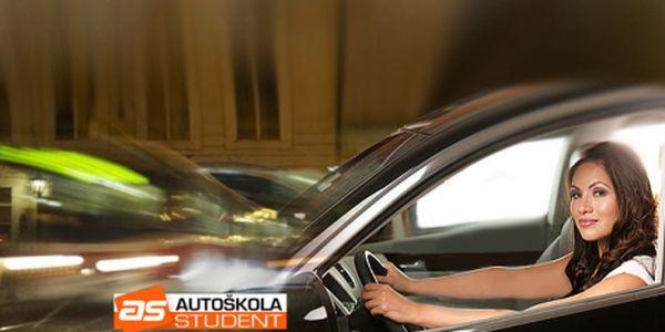 Máte řidičský průkaz, ale dlouho jste neřídili? Kondiční jízdy v Praze za super cenu 249 Kč! Zdokonalte své řidičské umění s naší mimořádnou slevou téměř 30%!