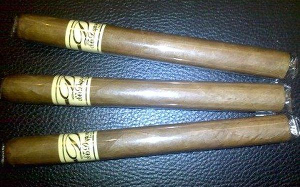 Tři ručně balené doutníky S.T. Dupont Reserva Especial – Coronas. Vyráběné v Dominikánské republice, střední síla a jemně kořeněná chuť