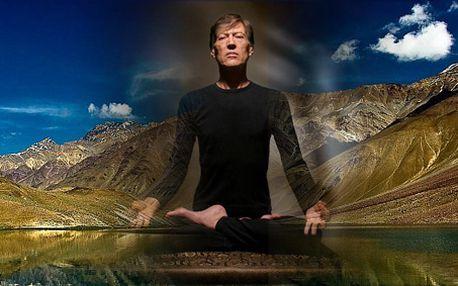 90 - ti minutová lekce - jóga s jogínem a světoobčanem Joseffem Michálkem! Dokonalý zážitek sjednocení těla i duše! Učil jógu v Indii, teď ji naučí i Vás!