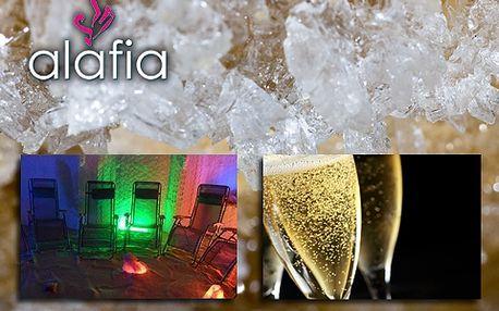 Noční romantika v solné jeskyni pro dva se 44% slevou! Láhev šampaňského nebo vína s mísou dobrot a navíc skvělou snídaní