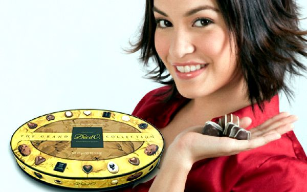 VELKÁ BONBONIÉRA belgických pralinek Grand Collection (400 g) za sladkých 299 Kč. TOP kvalita!