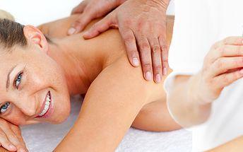 299 Kč za 90minutovou relaxační masáž u terapeuta Josefa Krčka. Na výběr také antistresová masáž a masáž bylinnými měšci.