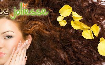 Profesionální kadeřnictví pouze za 275 Kč - střih, foukaná, mytí, styling a k tomu si můžete přikoupit botoxovou kůru! Cena platí pro všechny délky vlasů!
