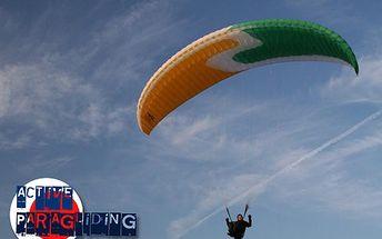 Minikurz paraglidingu – příjemná dávka vzrušení za akční cenu! Skvěle se hodí pro skupiny a jako teambuilding