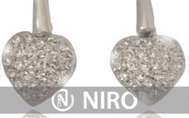 Věnujte ženám k svátku zamilovaných šperk se symbolem lásky! SWAROVSKI náušnice ve tvaru srdce + 25% sleva na nákup zboží v e-shopu NIRO.cz