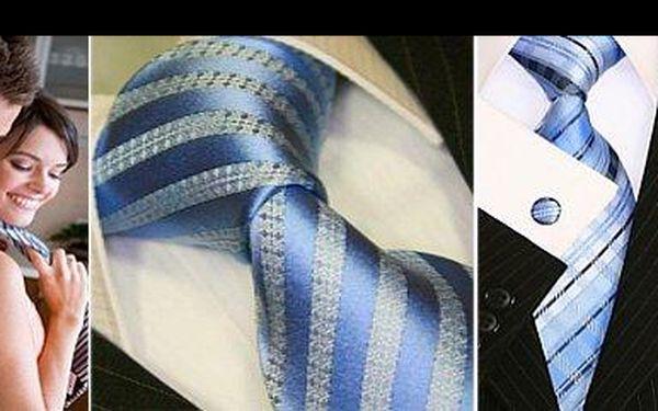 390 Kč za luxusní hedvábné kravaty Binder de Luxe s kapesníčkem stejného designu, vyznačující se vysokým leskem a jemností dotyku, nyní s 48% slevou.