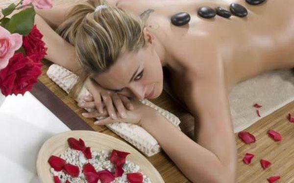 30 minutová masáž horkými lávovými kameny s využitím aroma olejů v S Studiu na Břevnově.