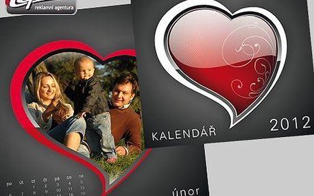 Kalendář z vašich fotek! Potěšte svou drahou polovičku A4 kalendářem z vašich fotografií se slevou!