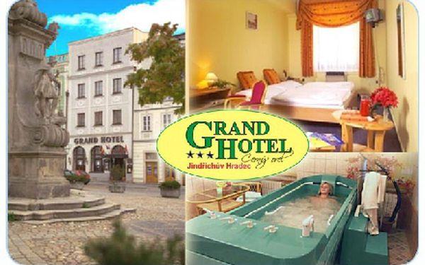 Relaxační pobyt pro 2 osoby na 2 noci včetně snídaně v krásném prostředí Grand hotelu Černý Orel v historickém centru Jindřichova Hradce.