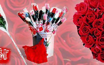 Skvělý dárek na Valentýna! Růže složená z červených dámských kalhotek Tanga se srdíčkami!