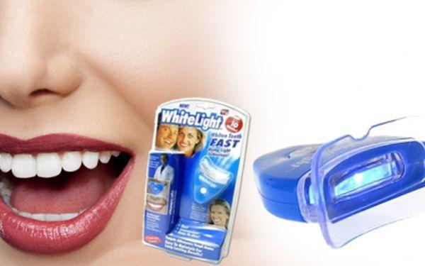 Dokonale vybělené zuby v pohodlí domova nyní jen za 99 Kč!! Bělič zubů WhiteLight je nejjednodušší, ale také nejrychlejší a nejúčinnější způsob, jak mít bílé zuby. Sleva 78%!