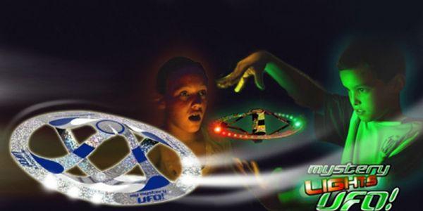 Nejlevnější Mystery UFO jen za 149 Kč! S touto hračkou si vyhrají nejen Vaše děti. Nepotřebuje žádné baterie a Vy pouze svýma rukama měníte směr jeho pohybu.