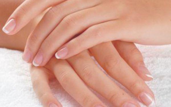 Krásné nehty již od 120 Kč! Kompletní manikúra nebo gelová modeláž nehtů s fajn slevou 40 %. Neváhejte a dopřejte si dokonalou péči o své ruce!