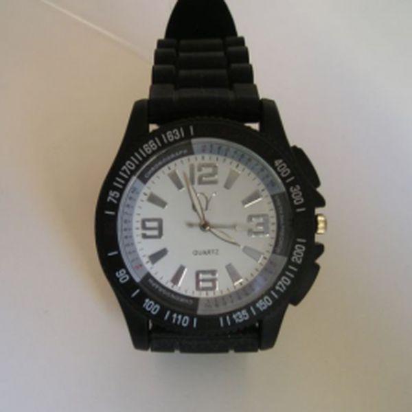 Stylové silikonové hodinky za pouhých 109 Kč! Kulaté hodinky jsou hitem roku 2012. Skvělé sportovní hodinky se slevou 62 %!
