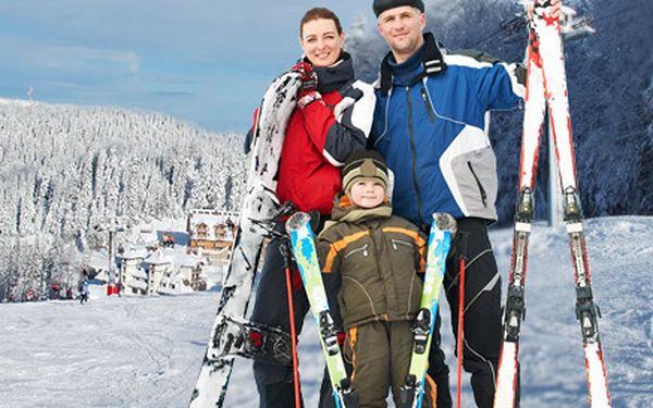 1579 Kč Kč za 3denní lyžování pro DVA v Beskydech. Penzion u sjezdovky, polopenze, skipas, bazén a sleva 50 % na pobyt pro třetí osobu. Možnost 6 dní!