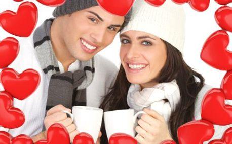 Udělejte si s partnerem hezké ráno, z valentýnských hrníčků Vám zachutná i kakao. 40% sleva na sadu 2 hrnečků s potiskem pro zamilované.