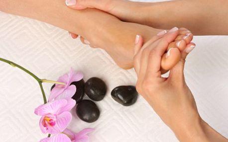Užijte si masáž reflexních bodů i relax v infrasauně a pohodu. 60 minutová tlaková masáž reflexních bodů chodidel z Madagaskaru, koupel nohou a 40 minut infrasauny.