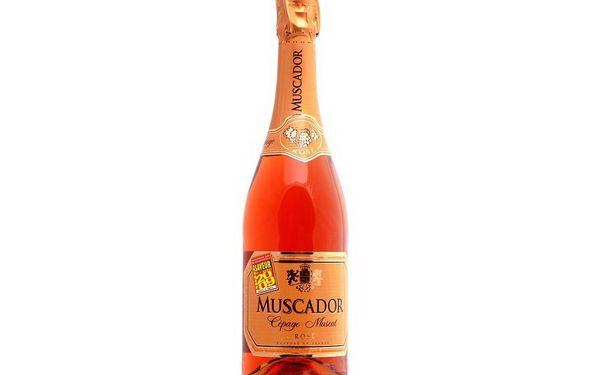 98,- Kč za kvalitní šumivé víno Muscador! Ten správný aperitiv na Sv.Valentýna! Sleva 50 %!