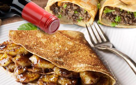 Máte chuť na nějakou laskominku? Dejte si rakvičku i PALAČINKU. 46% sleva na menu pro 2 OSOBY- masová či sladká palačinka, 2 dcl vína a rakvička se šlehačkou ve stylové restauraci Varieté.