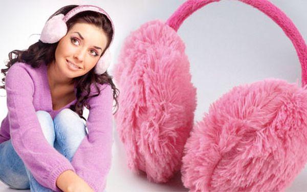 Krásná, hřejivá a užitečná věc pro Vaše uši. Jednobarevné klapky na uši (bílá, růžová, červená, modrá, černá) za neodolatelných 89Kč. Mějte uši v teplíčku s 55% slevou.