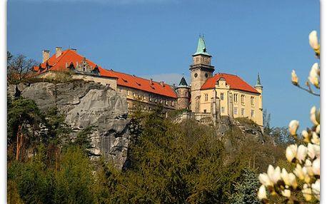 4 680 Kč za 6 dní na zámku pro 2 s polopenzí, plno zážitků, relaxu a sportovní zábavy! Přijeďte si vychutnat klid a pohodu v romantickém Zámku Hrubá Skála, přímo v srdci Českého ráje. Zažijte neopakovatelnou atmosféru tohoto šlechtického sídla s bohatou historií. Během dne můžete navštívit blízké vyhlídky, či se vydat na romantické procházky Hruboskalskem, zahrát si beach volejbal, nebo využít fitness .