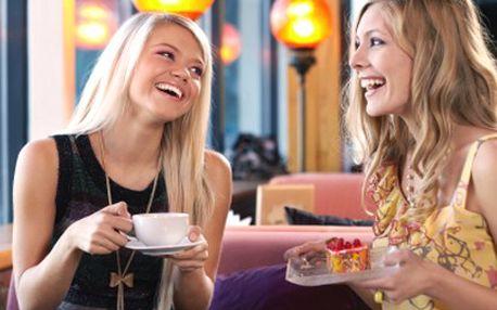 Espresso a dort pro DVA. Oslaďte si život! 48% sleva na 2 espressa plus 2x dortík pro 2 osoby.