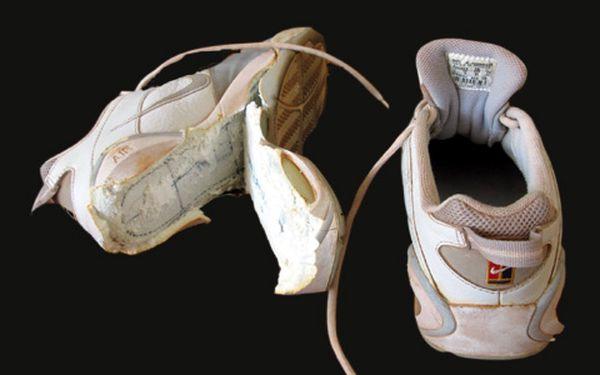 EXPRESNÍ oprava SPORTOVNÍCH BOT v centru Prahy s 50% slevou! Nevyhazujte Vaše oblíbené boty a nechte si je opravit profesionálem.