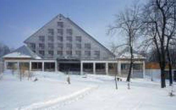 Wellness pobyt v Mariánských lázních na 3 dny (2 noci) pro 2 osoby v krásném hotelu Krakonoš s polopenzí, vstupem do bazénu s protiproudem a solnou jeskyní!!! Za 2999 Kč!!!