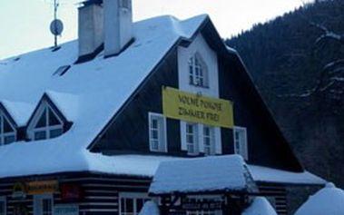 Romantický HOTÝLEK NA MÝTĚ v HARRACHOVĚ - 4denní pobyt pro 2 osoby se snídaní. Lyžaři, hejbejte se!