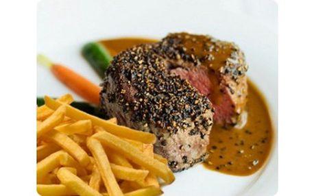 """Pouhých 129 Kč za 200g hovězí steak """"Al Pepe"""" s hranolky a steakovou omáčkou! Přijďte si pochutnat s partnerem či kamarády na pořádné porci vynikajícího masíčka."""