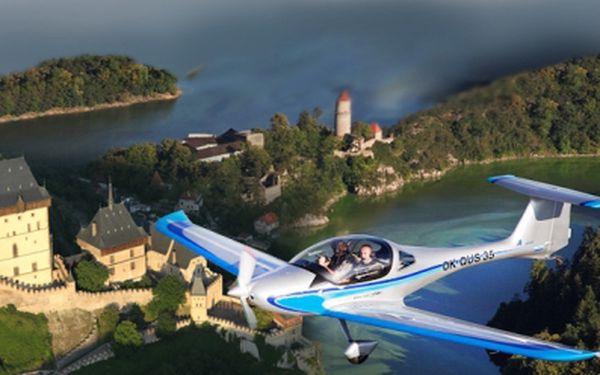 Let sportovním letounem. Nezapomenutelný výLET některým z nových letounů - sami se můžete aktivně 30 min. podílet na samotném letu z pravého sedadla vedle pilota! Pouhých 950 Kč za 30 minut pouze Vašeho letu! Sleva téměř 50%!