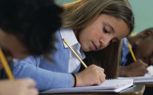 Studijní centrum BASIC pro Vás připravilo jedinečnou nabídku. 10 hodin doučování pro Vaše děti za skvělých 1 999 Kč! Vyberte si ze tří variant a pomozte svému dítěti k lepším výsledkům! Využijte této nabídky se slevou 43 %!