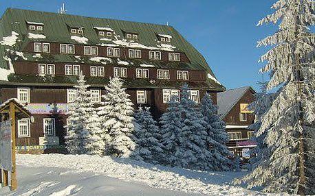 Čtyřdenní pobyt na horách v penzionu Družba nebo Hořec v Krkonoších za 738 Kč. Nabídka zahrnuje 3 noci pro 1 osobu, 3x snídaně, 3x káva, volný vstup do posilovny, stolní tenis, WiFi ve veřejných prostorách.