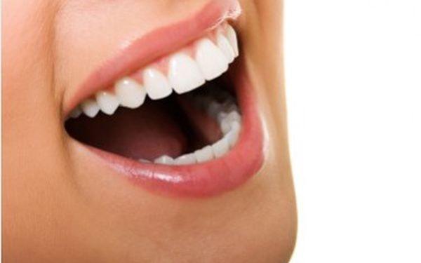 Bělení zubů, reprezentující a krásné zuby, ano, s naší pomocí za 499Kč. Bezbolestná metoda a bez dlouhotrvající citlivosti zubů.