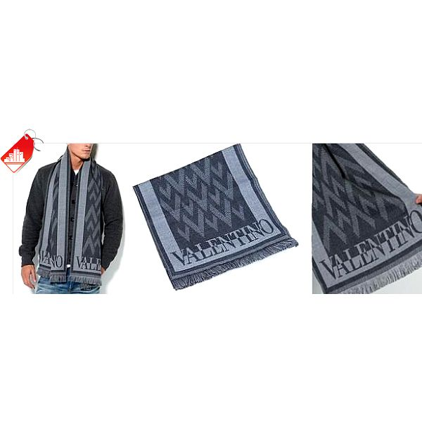Vlněná šála, známé italské značky Valentino za 1 490 Kč. Nepřehlédnutelný doplněk pro muže nejen v chladných dnech, nyní s 60% slevou.