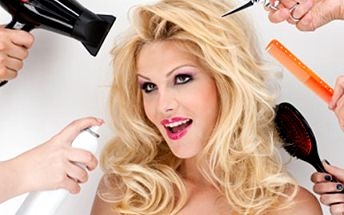 BALÍČEK pro Vaše VLASY- jedinečný střih, melír, hloubkový zábal ... Vlasový balíček pro všechny délky vlasů obsahuje dále foukanou, styling a konečnou úpravu. Nechte si vytvořit účes podle Vašich přání ve studiu Salon of beauty Ostrava.